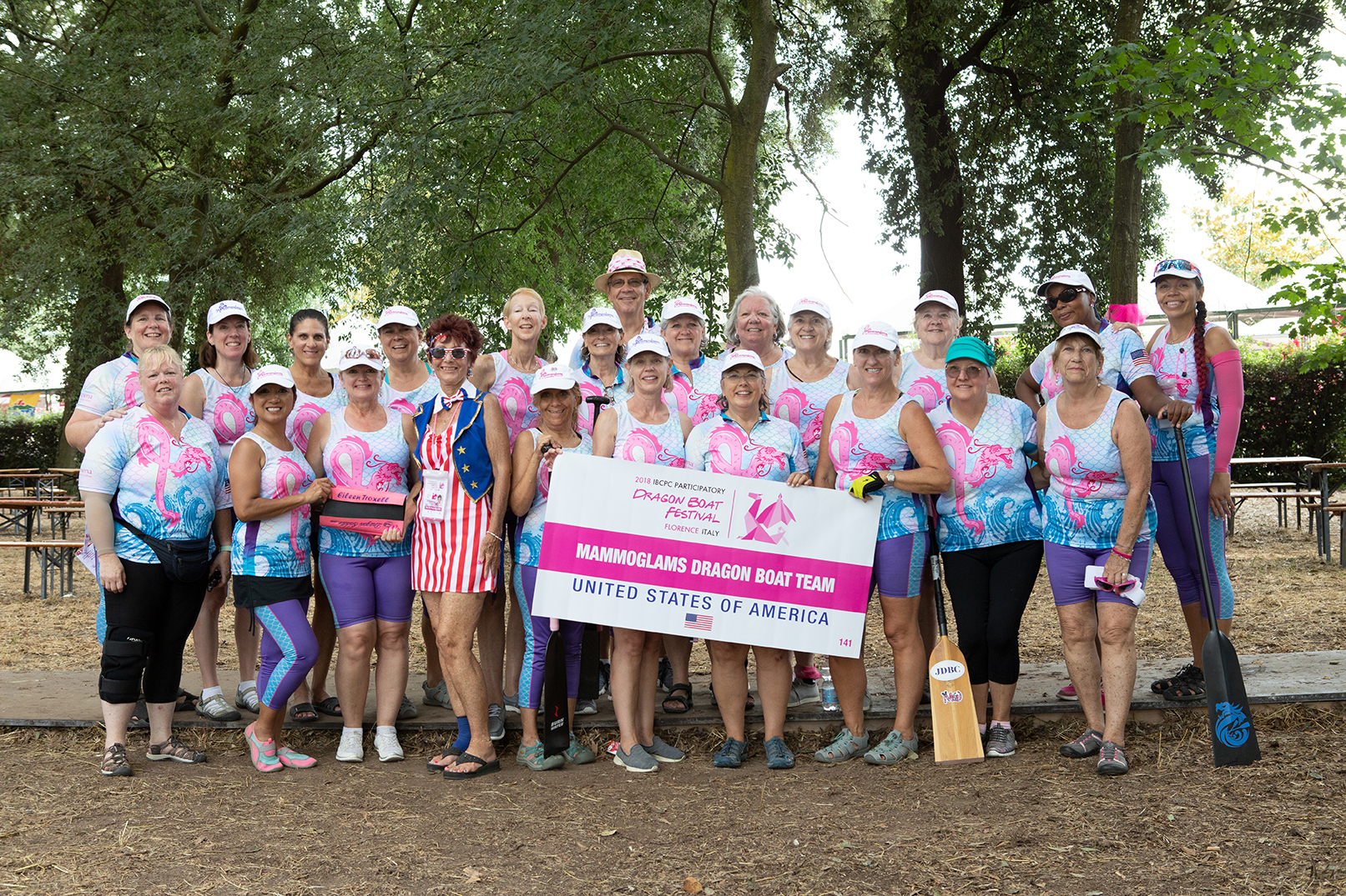Mammoglams Dragon Boat Team - USA